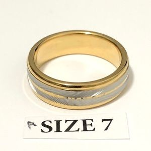 Men's / Women's Gold & Silver Tone Ring, Size 7